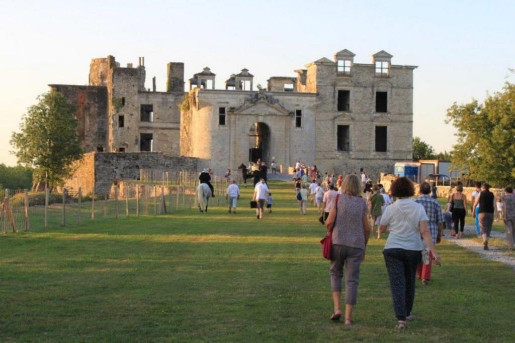Facade-chateau BIDACHE